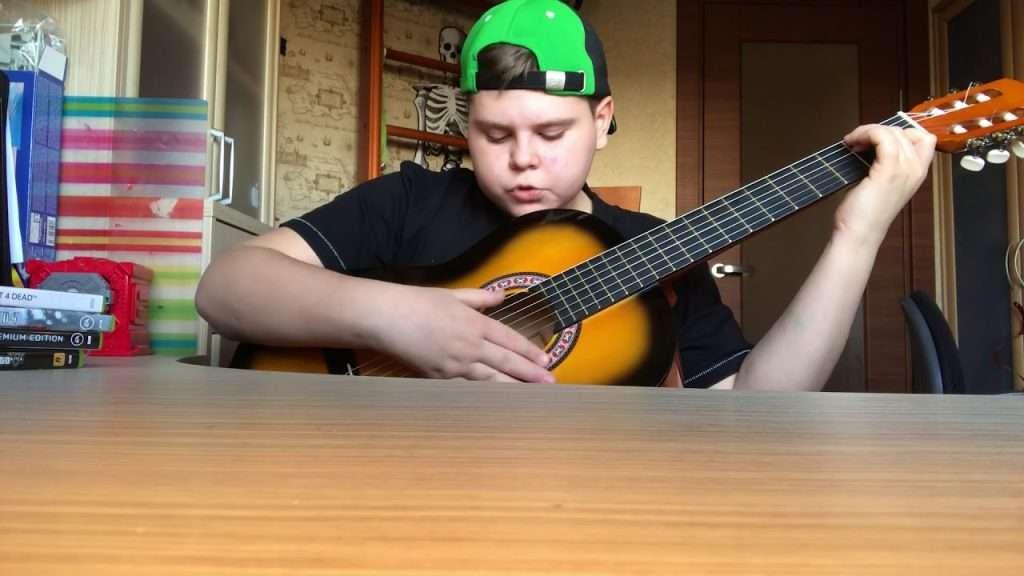 Как научиться играть на гитаре за 5 минут Видео